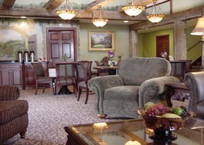 Breakfast Commons and Lounge Area at Hearthstone Inn and Suites