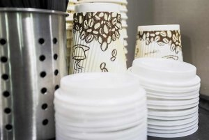 coffee cups and lids