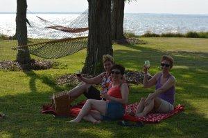 Black Walnut Point Inn Area wine on the lawn
