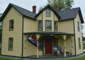 Black Walnut Point Inn Area waterman museum