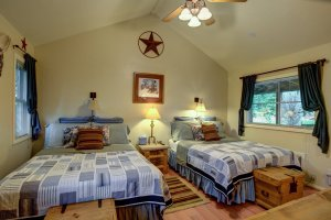 Canyons Bed and Breakfast Cowboy Room beds