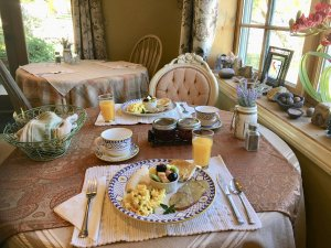 Canyons Bed and Breakfast eggs fruit potatoes english muffins