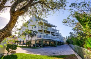 Inter-Coastal Beach Suite at Carter Vacation Rentals