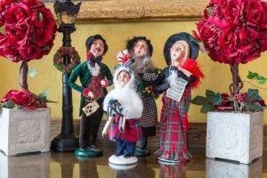christmas carol-singing figurines