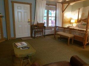 Vintage rose room