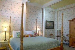 Hines Mansion Secret Garden Room bed