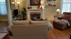 Winslow Cottage with fireplace