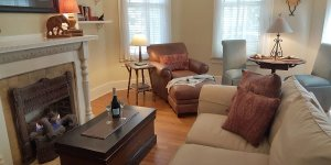 Winslow Cottage living room with table & chairs