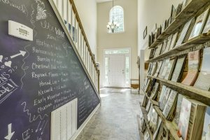 An entryway with shelves full of pamphlets