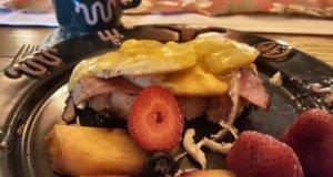 Ham, eggs, and strawberries