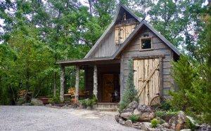Hillbilly Hiltin Cabin