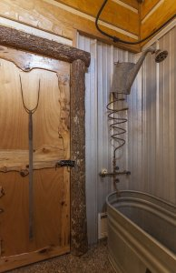Hillbilly Hiltin Cabin Bathroom Shower