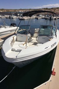 bow of 19' Open-bow Ski Boat
