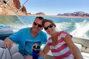 couple boating lake powell
