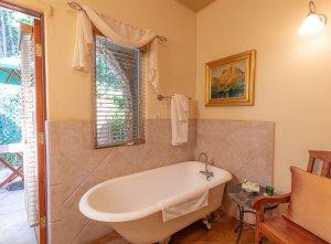 Claw-foot Bath tub