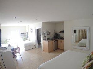 Hotel Seacrest Seashell Room