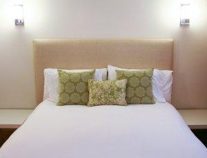Hotel Seacrest Garden Room bed front