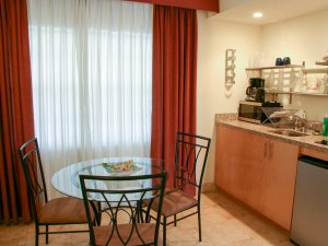 Hotel Seacrest Garden Room kitchen and table