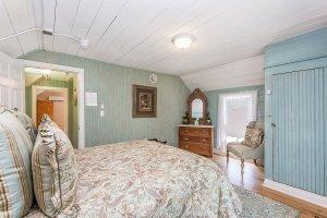 bedroom 4-4