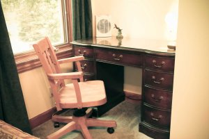 Bed & Breakfast Writing Nook with Desk & Chair