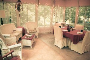 sun porch table and chairs