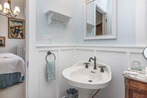 bathroom with pedestal sink