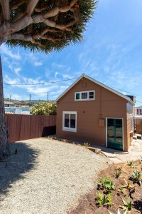 Laguna Cottages Brown Cottage exterior