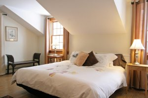 Old Saco Inn Heather's Loft bed