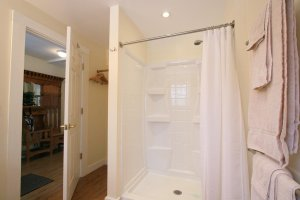 Old Saco Inn Heather's Loft shower