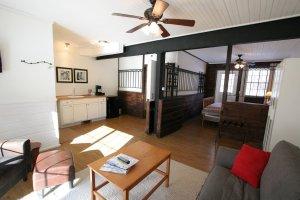 Old Saco Inn Lexington Room living room