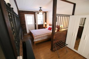 Old Saco Inn Lexington Room bed