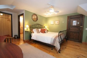 The Old Saco Inn Naples room bed