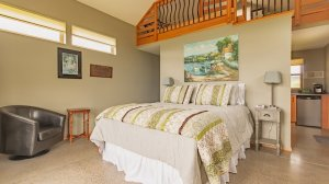 Roya Vineyard and Cottages bed one