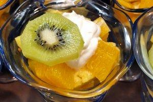 kiwi and orange bowls