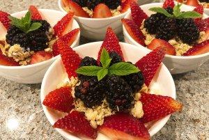 granola breakfast bowls