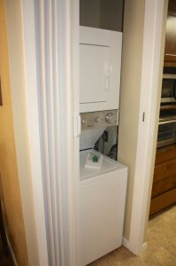 closet laundry machines