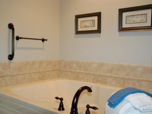 Whirlpool tub and towels in bathroom