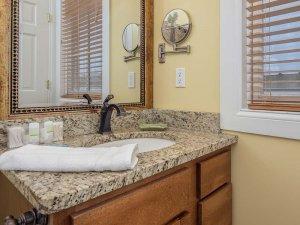 Sink countertop under mirror