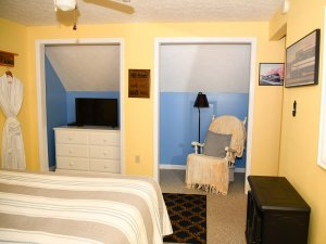 Small alcove rooms across from bed