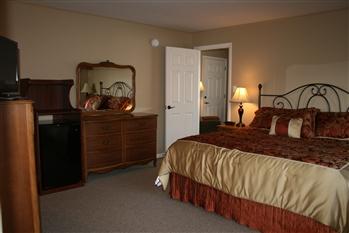 three room suite in Carriage House Motor Inn in Strasburg, Pennsylvania