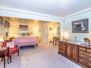 lafayette room at Adair Inn in Bethlehem, New Hampshire
