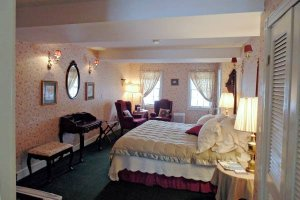 Beyer Room at William Seward Inn in Westfield, NY