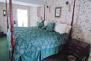 Wagner Room at William Seward Inn in Westfield, NY