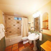 #4 Bathroom in Blue Iguana Inn in Ojai, California