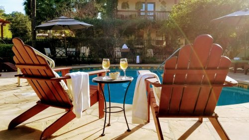 Specials and Packages at Emerald Iguanas in Ojai, California