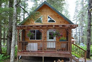 Grizzly Bear Cabin at Bears Den Cabins in Cordova, Alaska