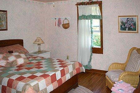Amanda Room at Country Pleasures in Cashton, WI