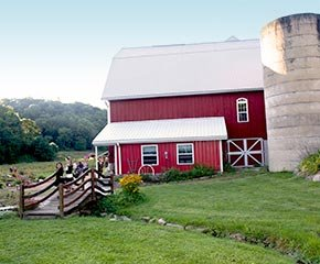 Barn Weddings at Country Pleasures B&B in Cashton, Wisconsin