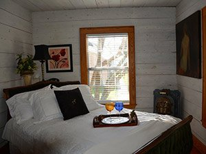 Athena Room at Quiet Oaks Bed and Breakfast