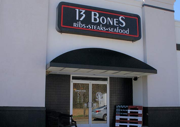 13 bones restaurant near Heart and Soul bed and breakfast